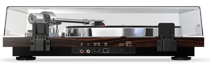 Rückansicht (Cinch Anschlüsse/USB Anschluss/Zuschaltbarer Vorverstärker)
